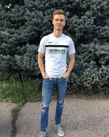 Дмитрий Горемыкин на улице