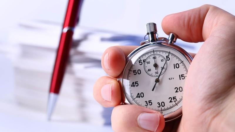 Среднее время пребывания на сайте и среднее количество просмотренных страниц