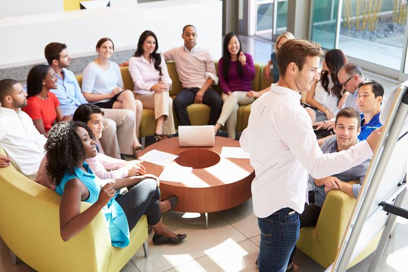Игнорирование необходимости обучения сотрудников технике продаж